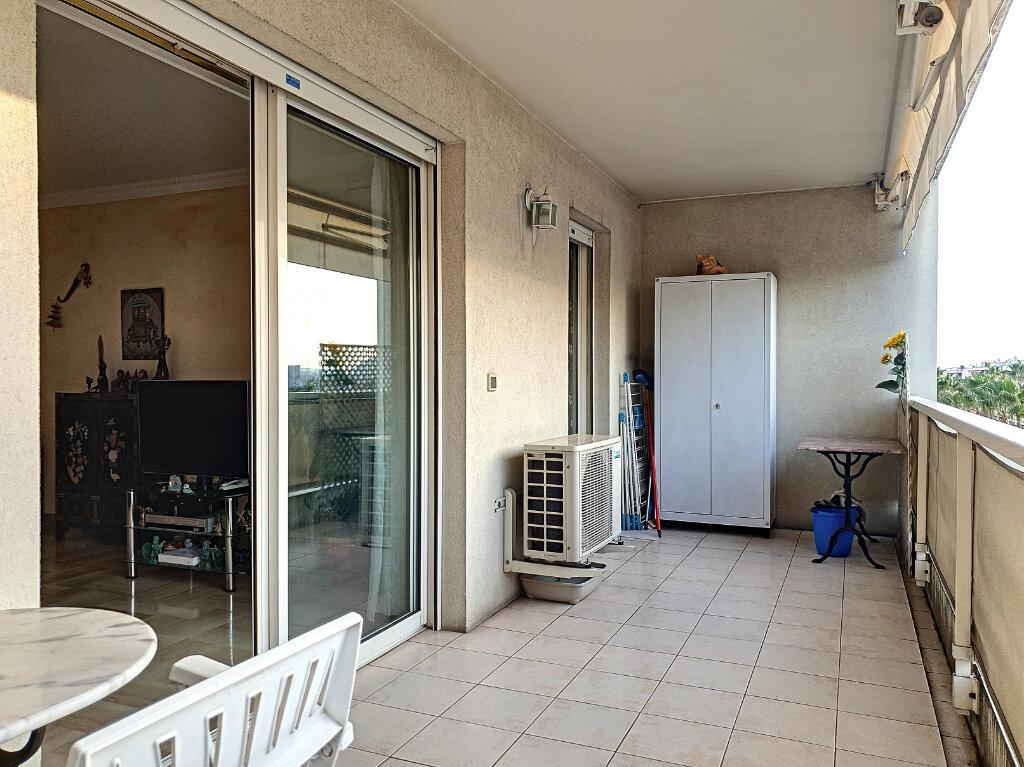 Appartement à vendre 3 69.11m2 à Cagnes-sur-Mer vignette-2