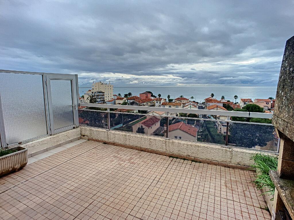 Appartement à louer 3 78m2 à Cagnes-sur-Mer vignette-2
