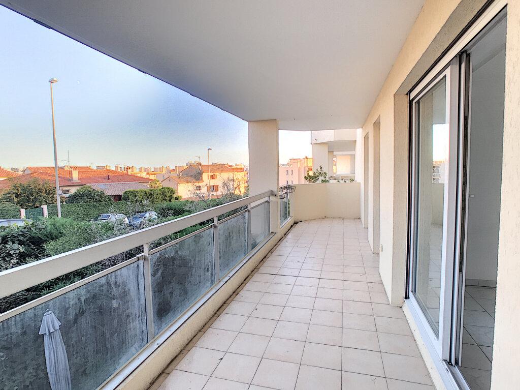 Appartement à louer 2 45.72m2 à Cagnes-sur-Mer vignette-1