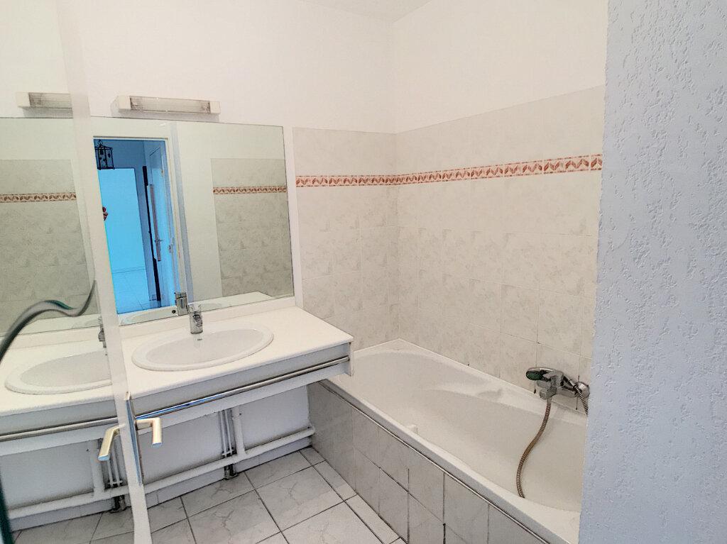 Appartement à louer 2 45.72m2 à Cagnes-sur-Mer vignette-6