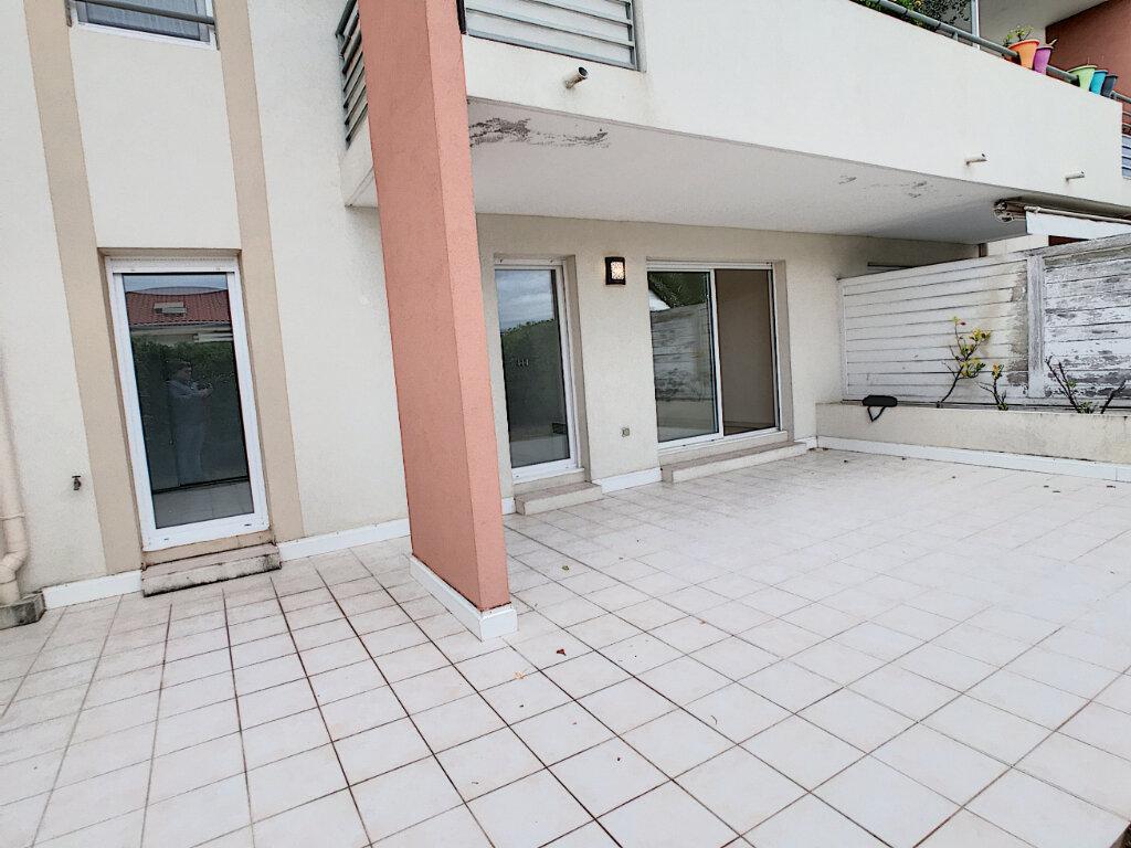 Appartement à louer 2 45.32m2 à Saint-Laurent-du-Var vignette-2