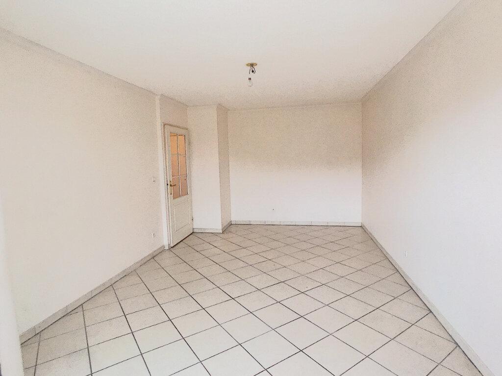 Appartement à louer 2 45.32m2 à Saint-Laurent-du-Var vignette-4