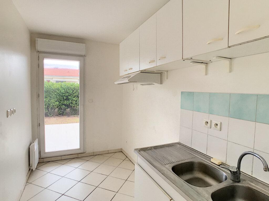 Appartement à louer 2 45.32m2 à Saint-Laurent-du-Var vignette-6