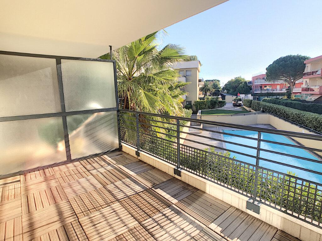 Appartement à louer 2 39.2m2 à Villeneuve-Loubet vignette-1