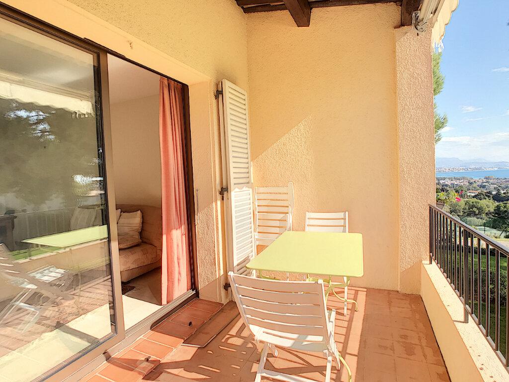 Appartement à louer 2 55m2 à Villeneuve-Loubet vignette-2