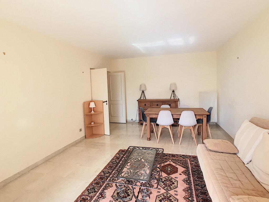 Appartement à louer 2 55m2 à Villeneuve-Loubet vignette-3
