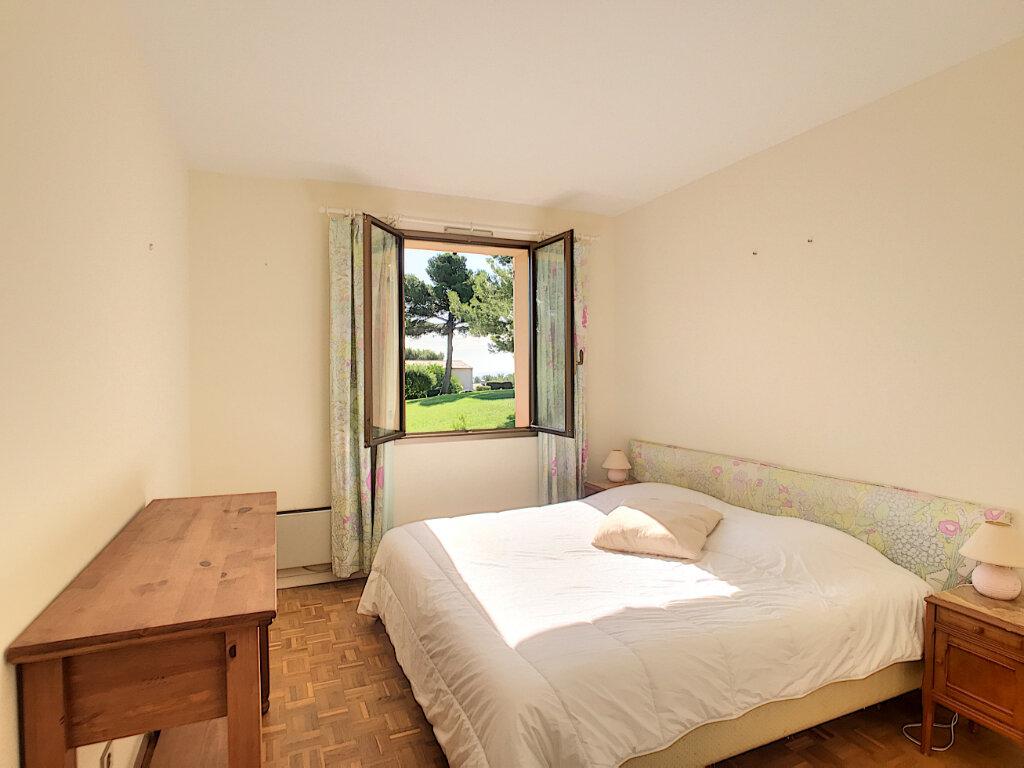 Appartement à louer 2 55m2 à Villeneuve-Loubet vignette-6