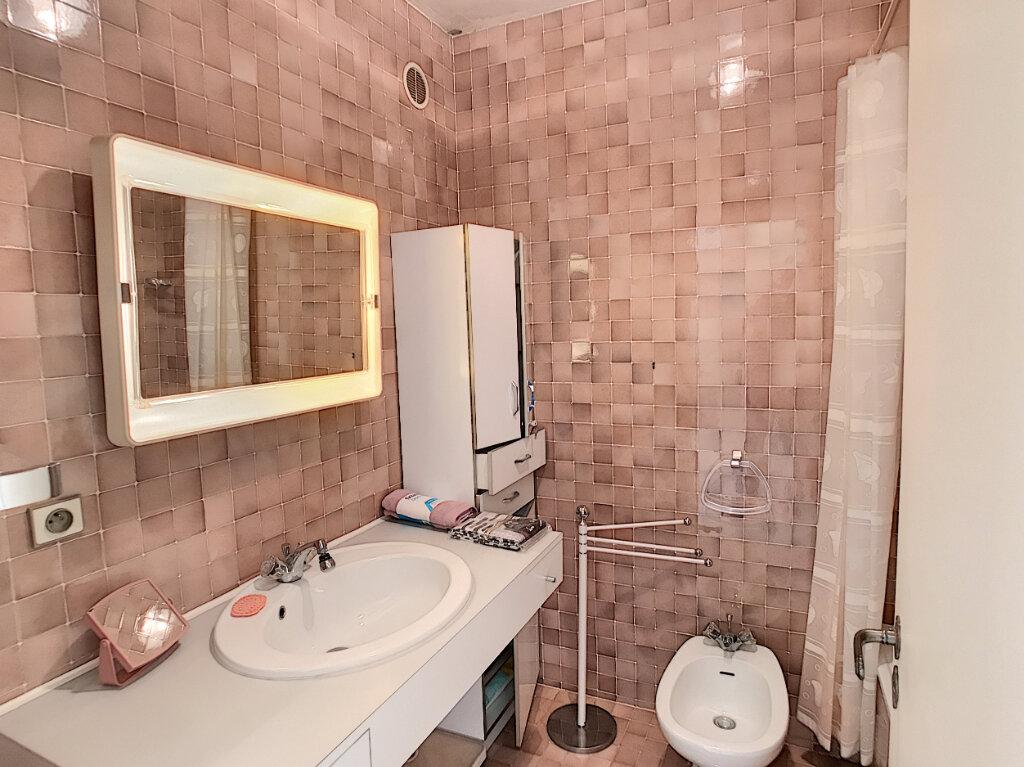 Appartement à louer 2 55m2 à Villeneuve-Loubet vignette-7