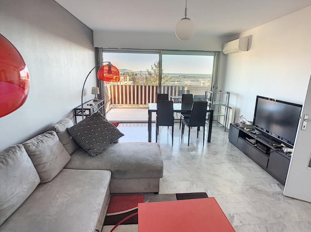 Appartement à louer 2 57m2 à Saint-Laurent-du-Var vignette-3