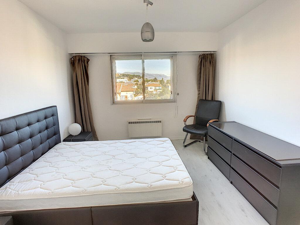 Appartement à louer 2 57m2 à Saint-Laurent-du-Var vignette-7
