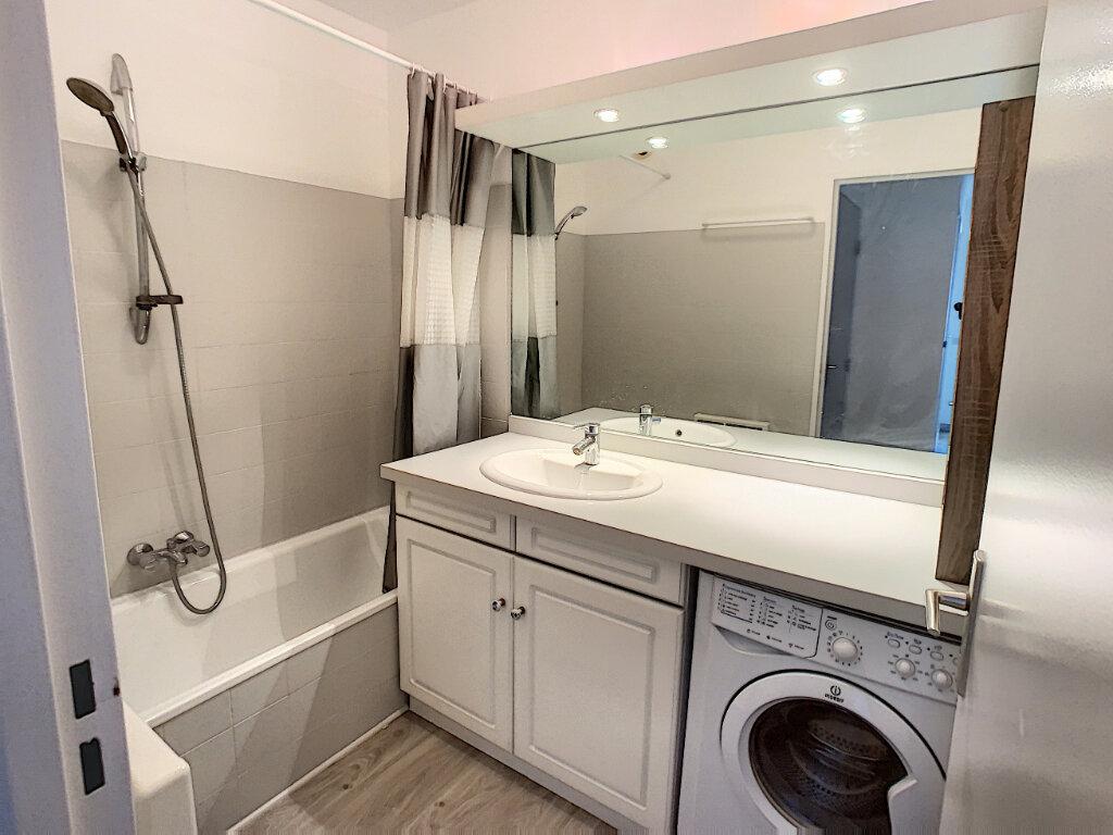 Appartement à louer 2 57m2 à Saint-Laurent-du-Var vignette-8