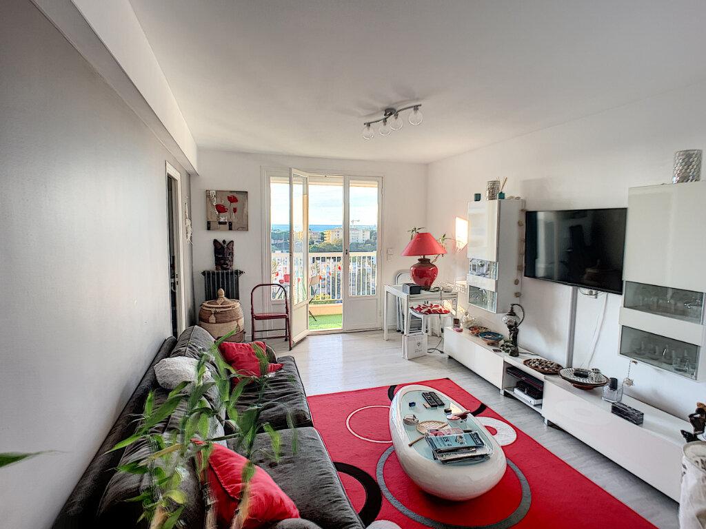 Appartement à louer 3 63m2 à Antibes vignette-5