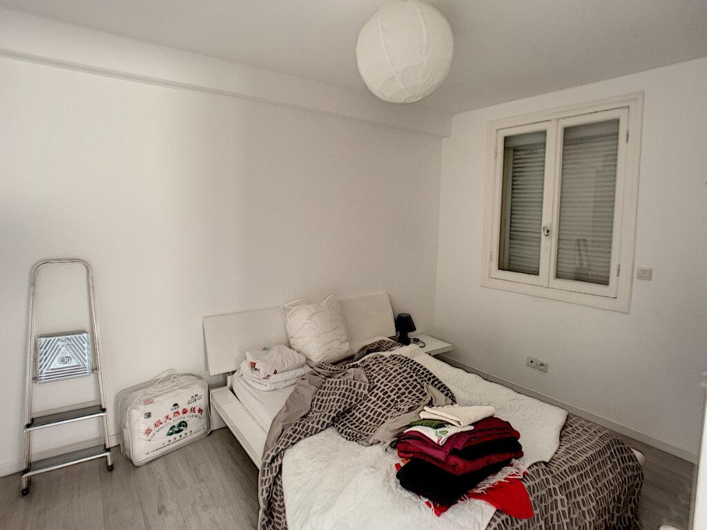 Appartement à louer 3 63m2 à Antibes vignette-7