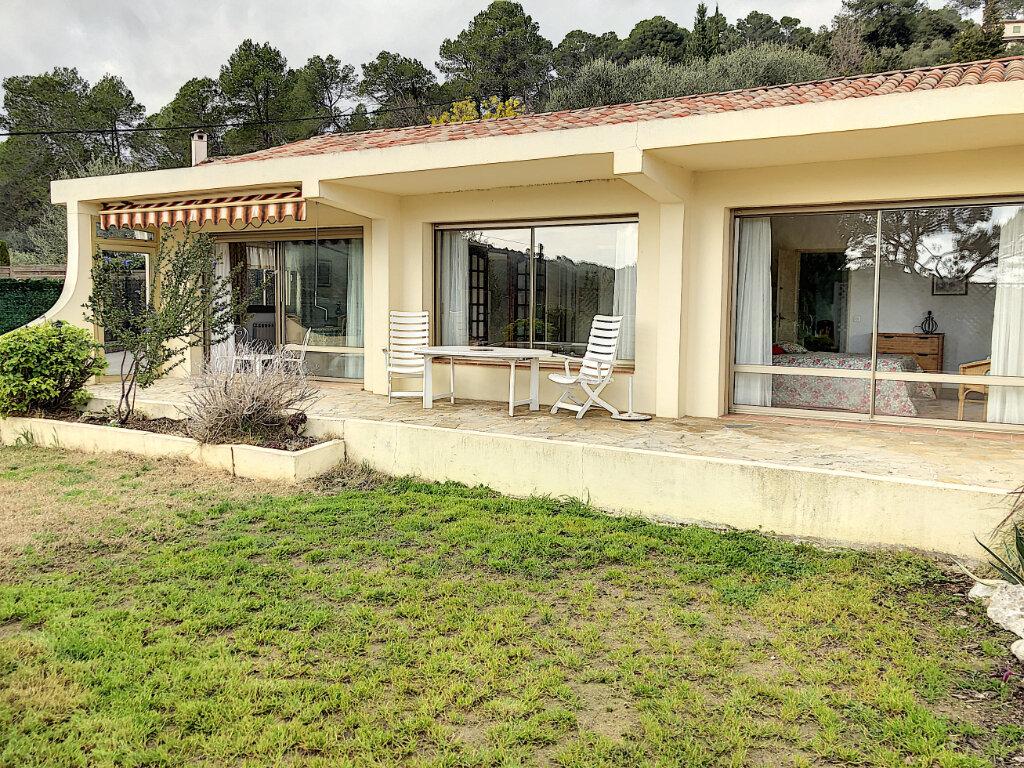 Maison à louer 3 115m2 à La Colle-sur-Loup vignette-1