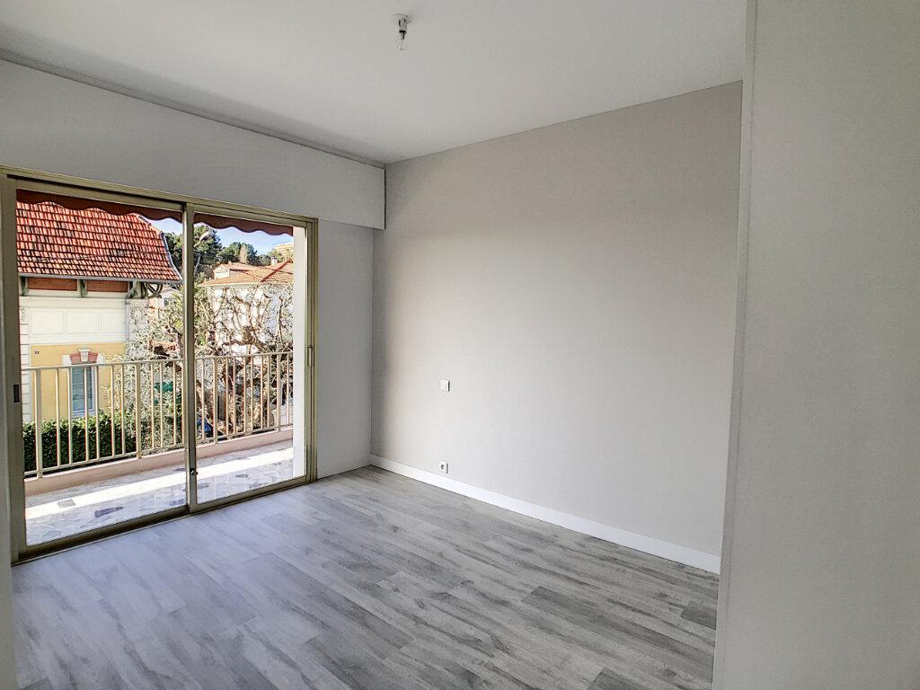 Appartement à louer 3 80.21m2 à Cagnes-sur-Mer vignette-7