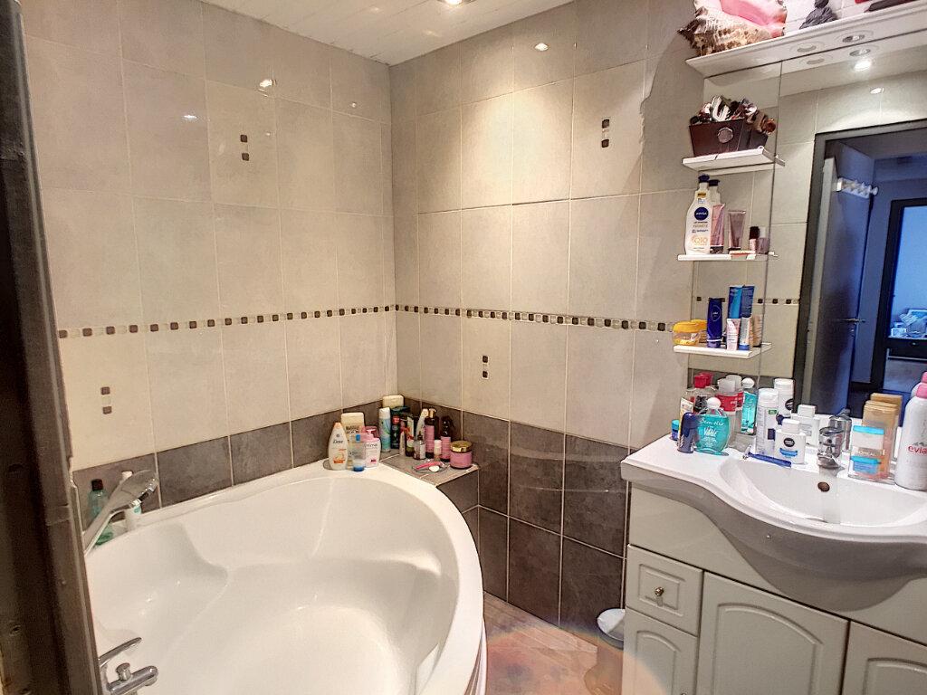 Appartement à vendre 4 81m2 à Cagnes-sur-Mer vignette-6