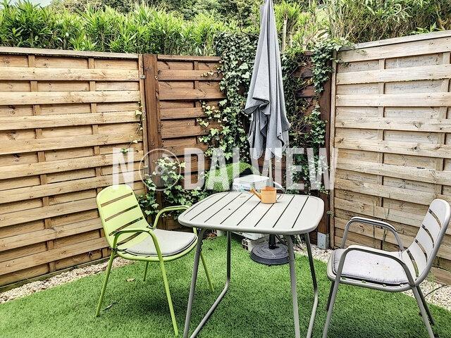 Appartement à louer 1 25.4m2 à Villeneuve-Loubet vignette-1