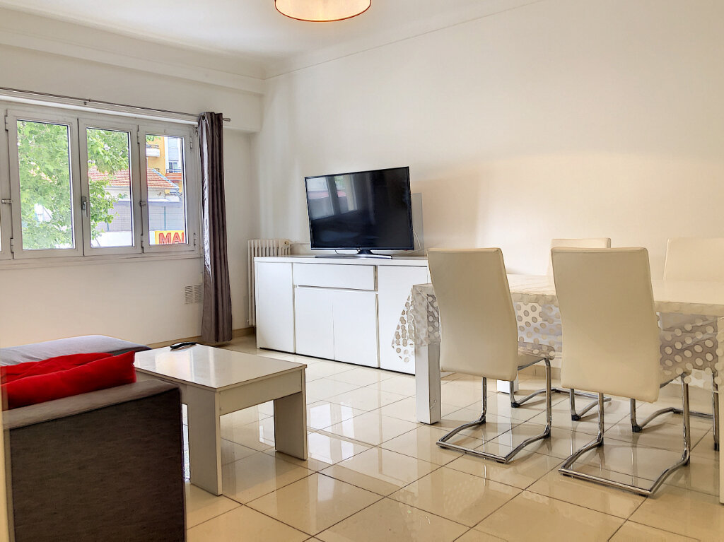 Appartement à louer 2 51.46m2 à Nice vignette-4