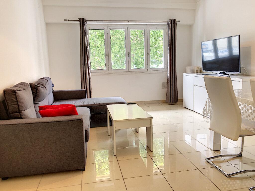 Appartement à louer 2 51.46m2 à Nice vignette-5
