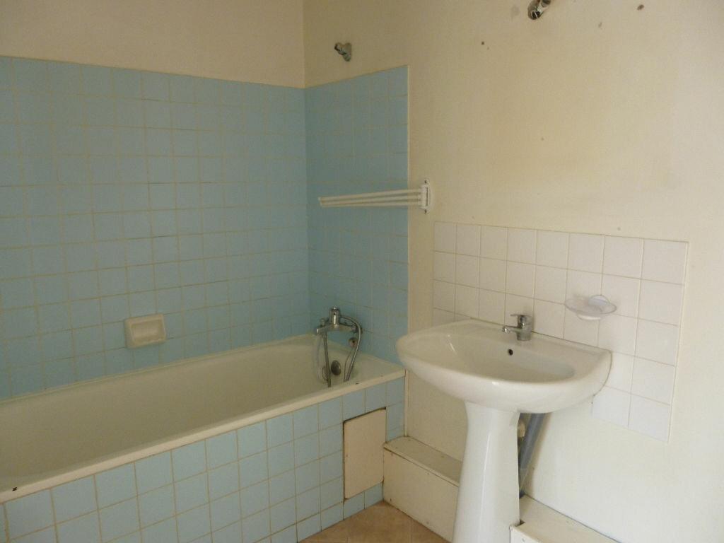 Appartement à louer 2 48m2 à Saint-Raphaël vignette-6