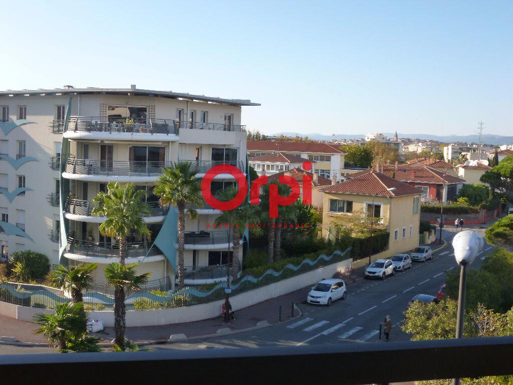 Appartement à louer 1 26.45m2 à Fréjus vignette-4