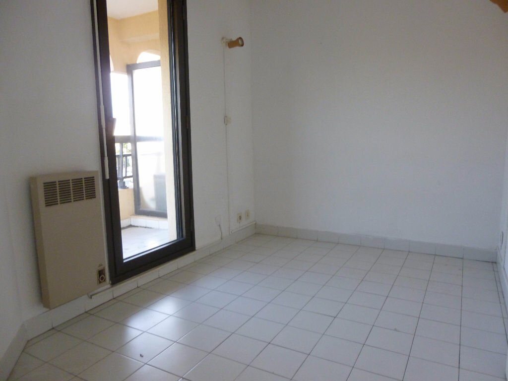 Appartement à louer 1 26.45m2 à Fréjus vignette-6