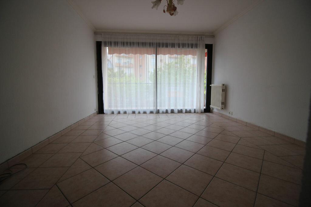 Appartement à vendre 3 64.28m2 à Fréjus vignette-4