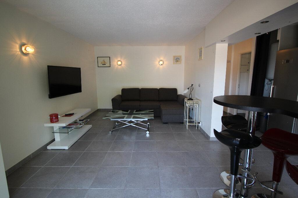 Appartement à vendre 2 43m2 à Fréjus vignette-5