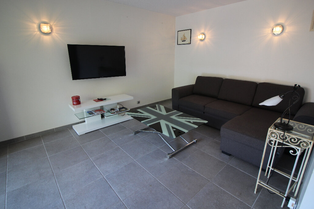 Appartement à vendre 2 43m2 à Fréjus vignette-6