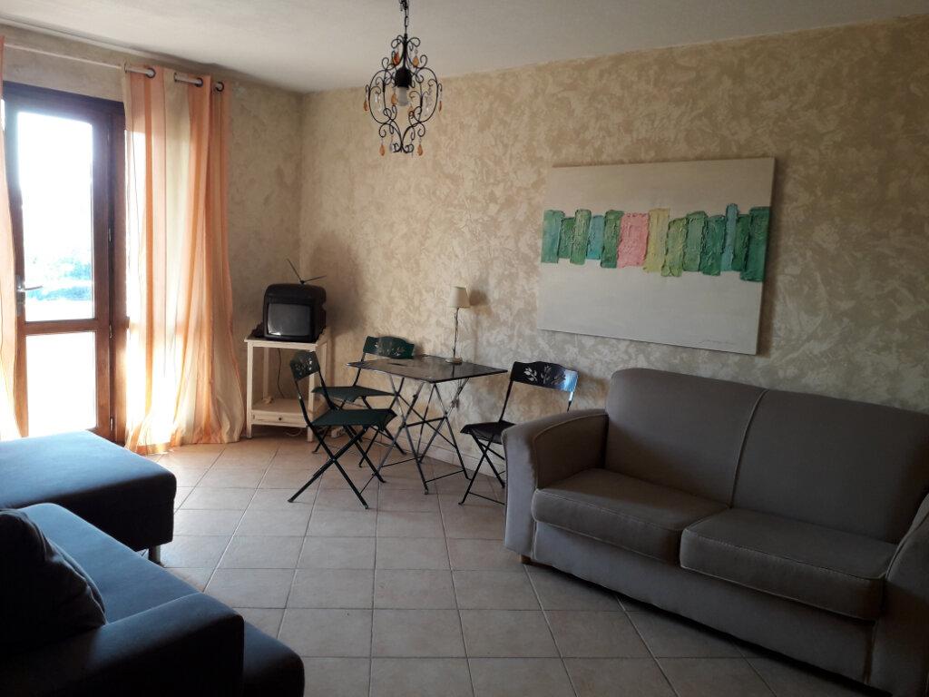 Appartement à louer 2 48m2 à Fréjus vignette-1