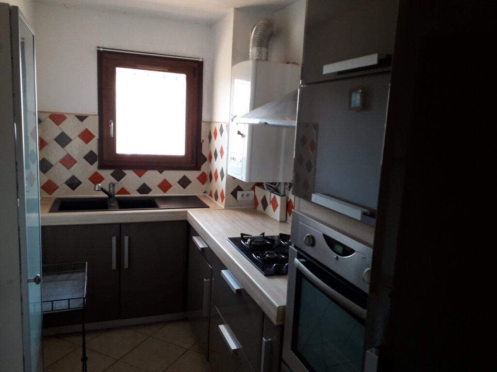 Appartement à louer 2 48m2 à Fréjus vignette-3