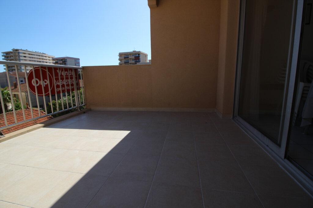 Appartement à vendre 3 51.07m2 à Fréjus vignette-2