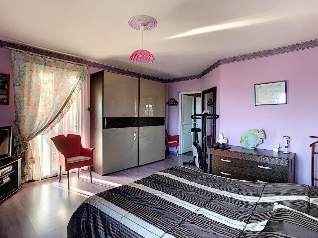 Maison à vendre 5 198.47m2 à Puget-sur-Argens vignette-10