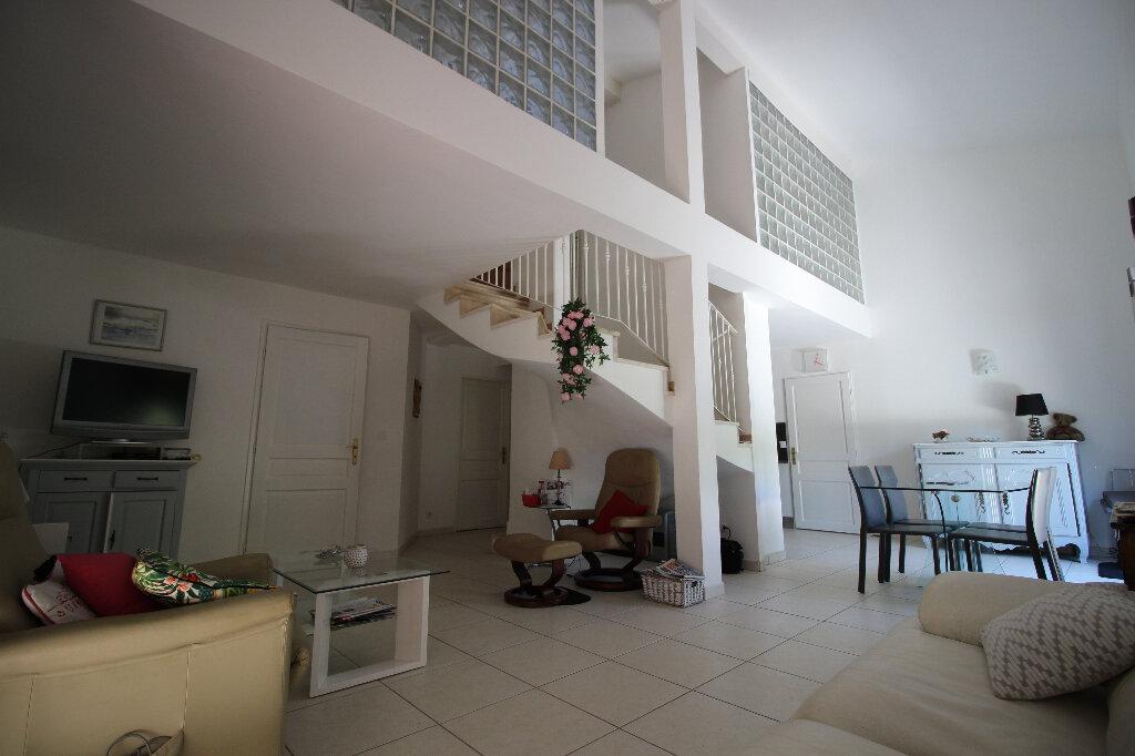 Maison à vendre 4 92.16m2 à Fréjus vignette-2