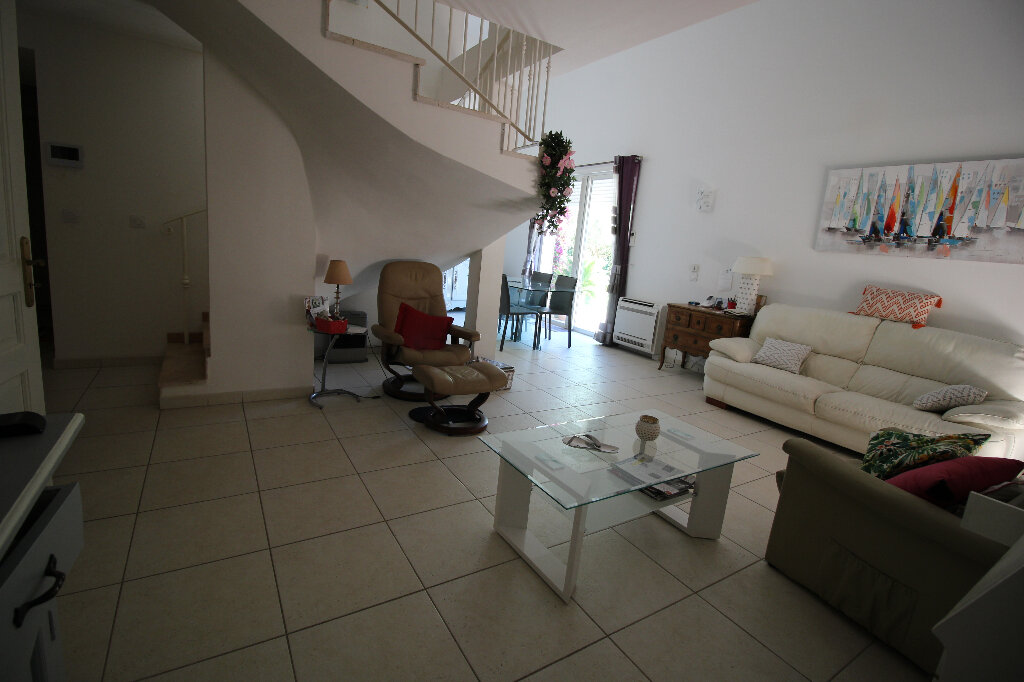 Maison à vendre 4 92.16m2 à Fréjus vignette-5