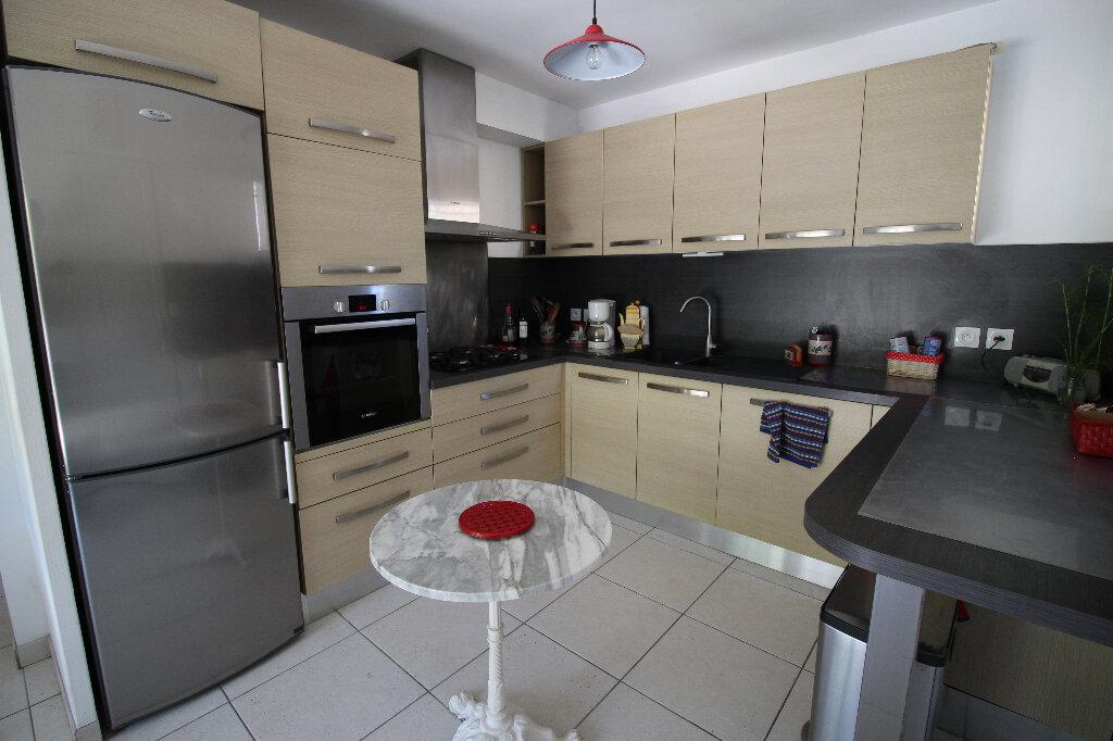 Maison à vendre 4 92.16m2 à Fréjus vignette-6