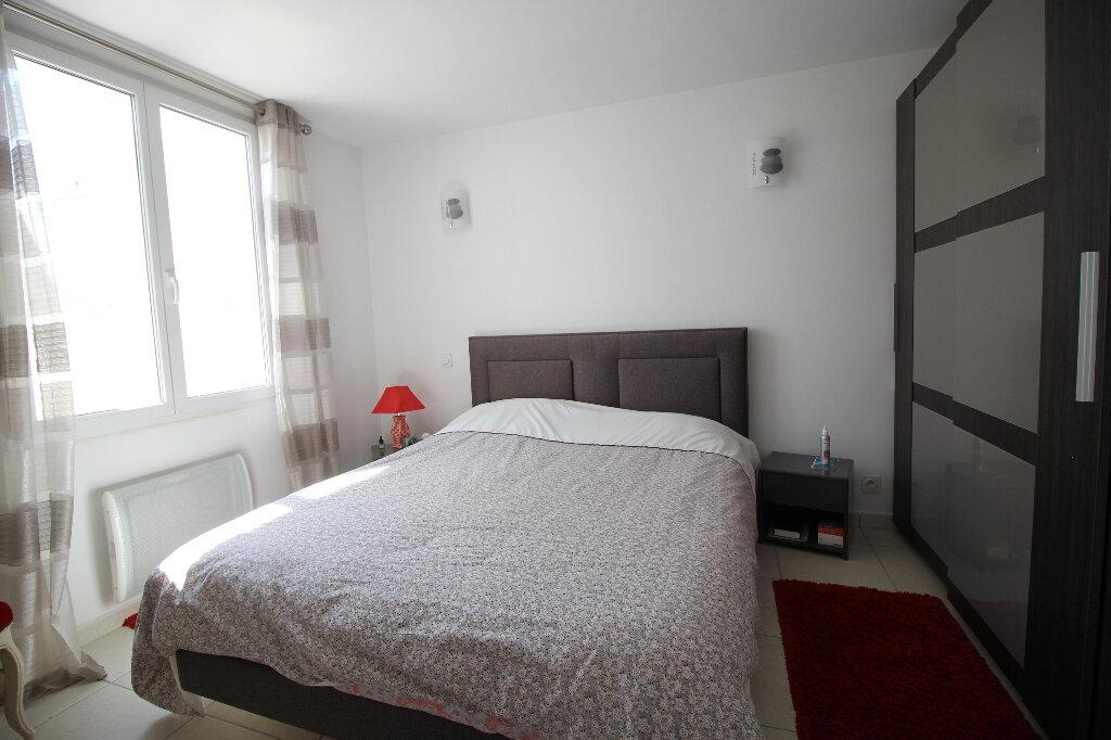 Maison à vendre 4 92.16m2 à Fréjus vignette-7