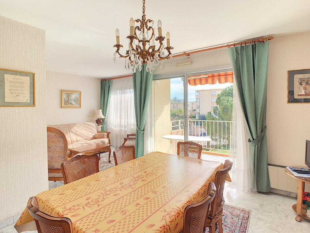 Appartement à vendre 3 55.83m2 à Fréjus vignette-2