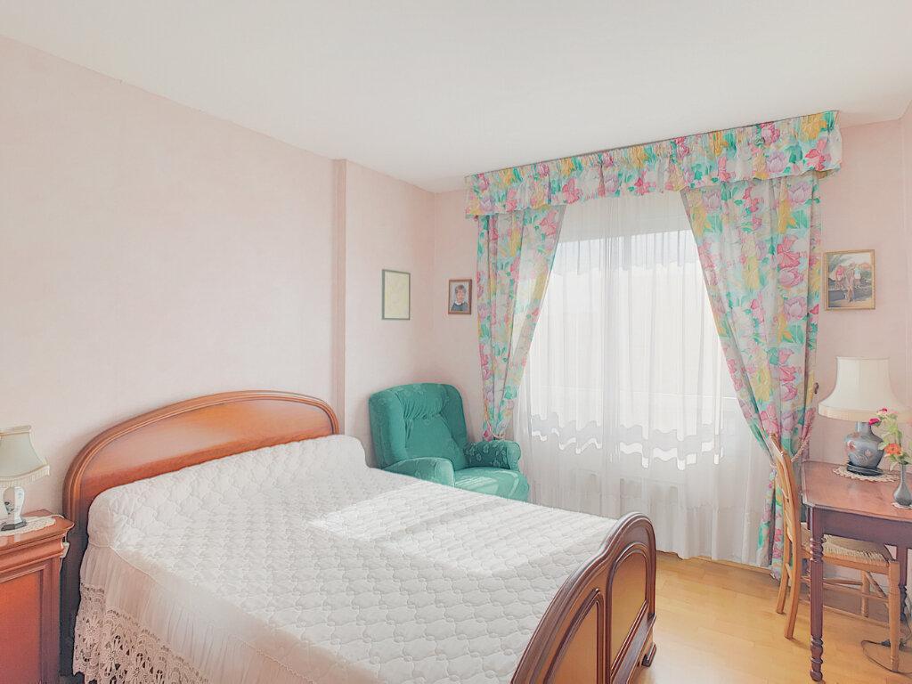 Appartement à vendre 3 55.83m2 à Fréjus vignette-4