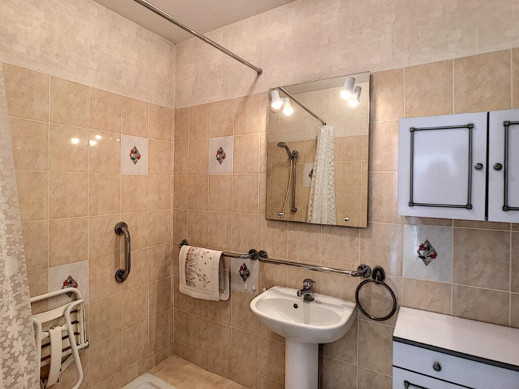 Appartement à vendre 3 55.83m2 à Fréjus vignette-5