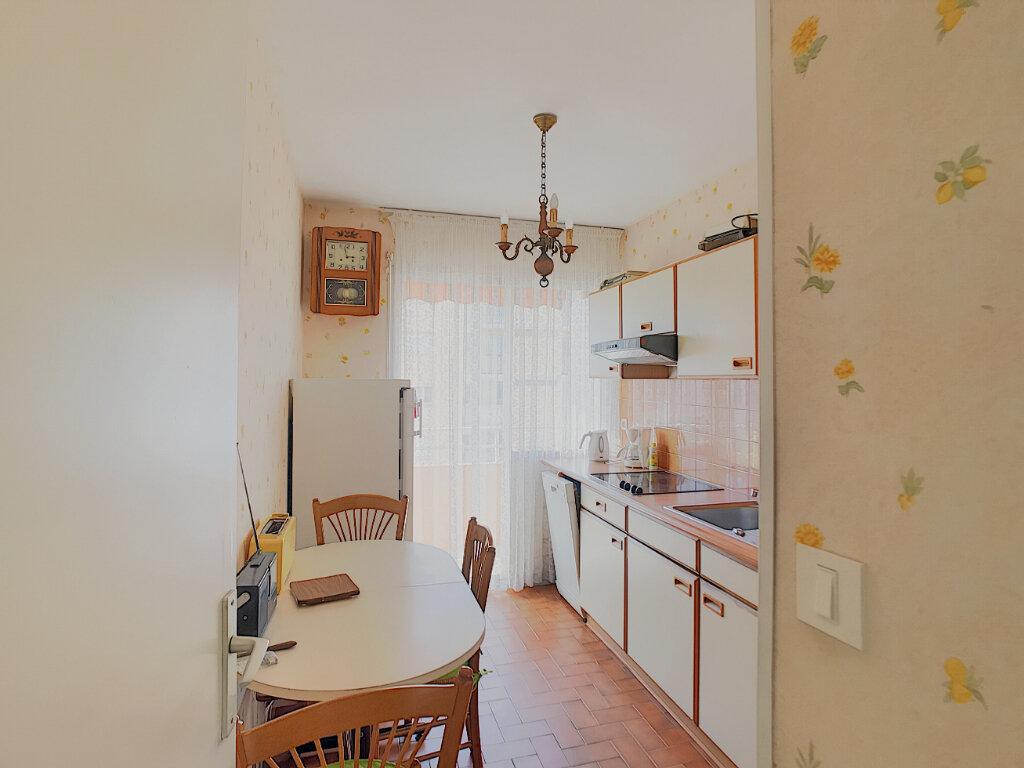Appartement à vendre 3 55.83m2 à Fréjus vignette-6