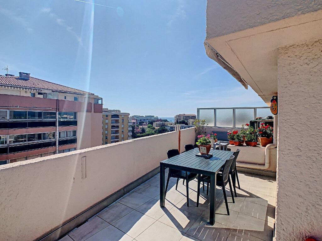 Appartement à vendre 2 27.22m2 à Fréjus vignette-2