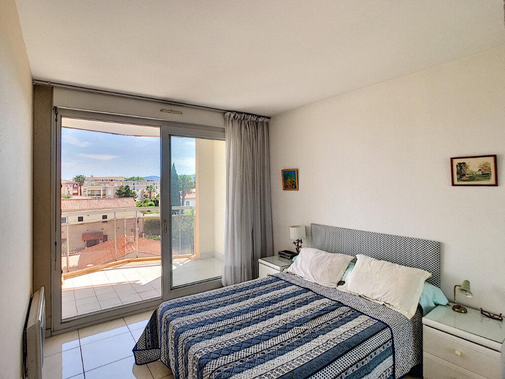 Appartement à vendre 2 43m2 à Fréjus vignette-3