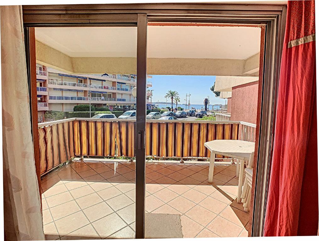 Appartement à vendre 2 37m2 à Fréjus vignette-2