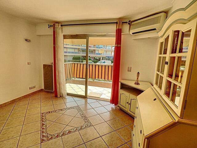 Appartement à vendre 2 37m2 à Fréjus vignette-3