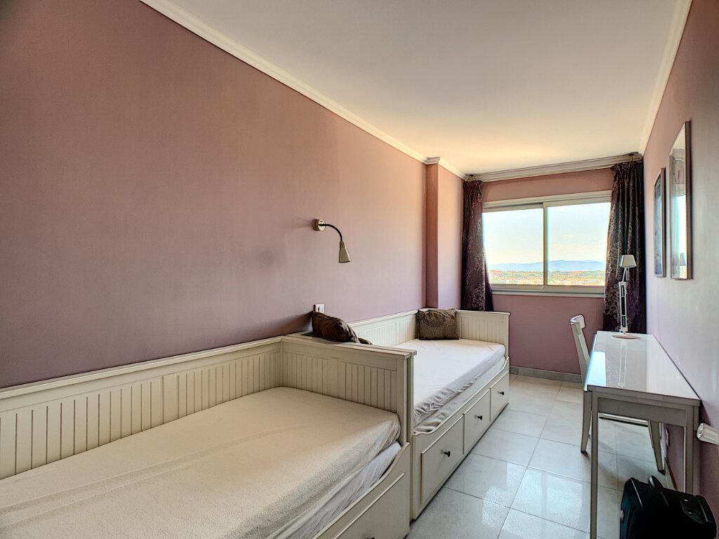 Appartement à vendre 3 70m2 à Fréjus vignette-7