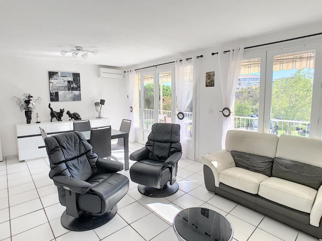 Appartement à vendre 2 55m2 à Fréjus vignette-2