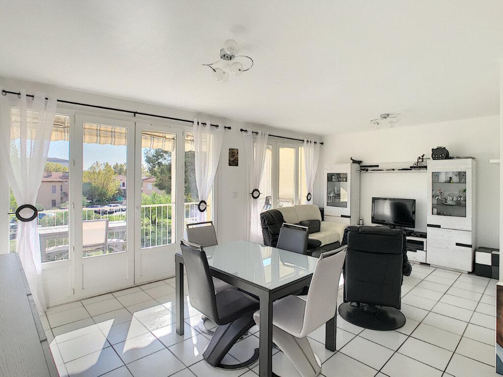Appartement à vendre 2 55m2 à Fréjus vignette-4