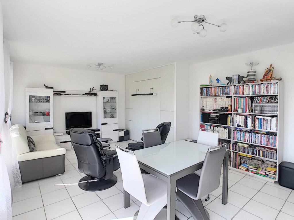 Appartement à vendre 2 55m2 à Fréjus vignette-5