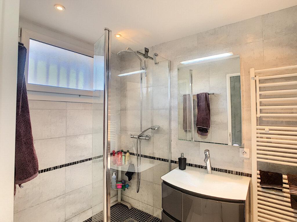 Appartement à vendre 2 55m2 à Fréjus vignette-8